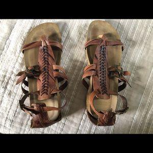 Pikolinos gladiator sandals